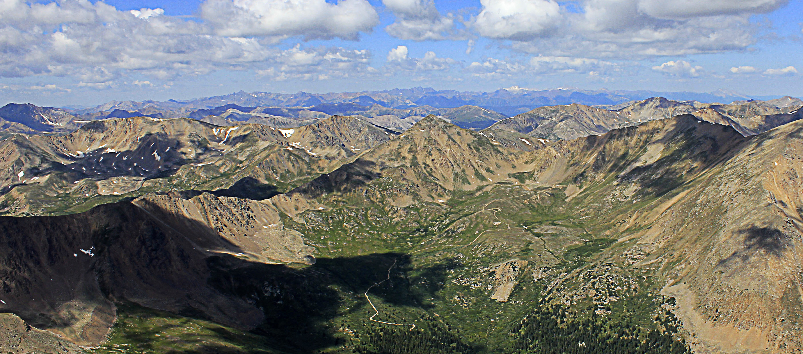 colorado-mount-elbert-looking-far-into-the-distance